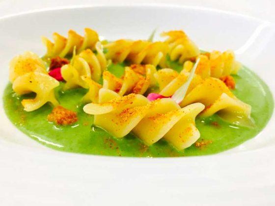 fusilloni-di-gragnano-con-ricci-spinaci-cozze-foodtellers